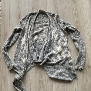 Hollister patterned sweater/cardigan